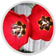 Red Tulip Duo Round Beach Towel
