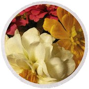 Red White And Yellow Zinnias Round Beach Towel