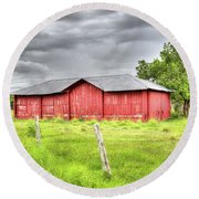 Red Wood Barn - Edna, Tx Round Beach Towel