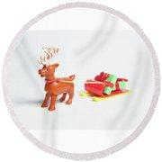 reindeer and Sleigh ii Round Beach Towel