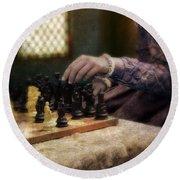 Renaissance Lady Playing Chess Round Beach Towel