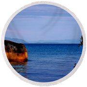 Reptilian Lookout Round Beach Towel