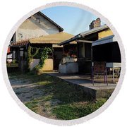 Restaurant On The Outskirts  Round Beach Towel