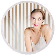 Retro Fashion Model Looking At Copyspace Round Beach Towel