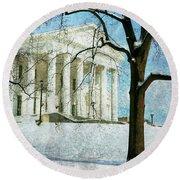 Richmond Virginia Capitol In Snow Round Beach Towel