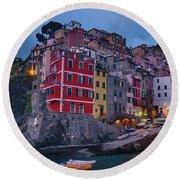 Riomaggiore In Cinque Terre Italy Round Beach Towel