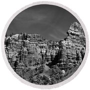 Rippled Walls B-w Round Beach Towel