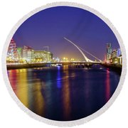 River Liffey In Dublin At Dusk Round Beach Towel