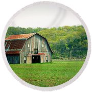 Riverbottom Barn In Spring Round Beach Towel