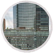 Riverhouse, One Rockefeller Park At 2 River Terrace In Battery Park City Round Beach Towel