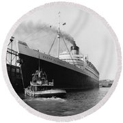 Rms Queen Elizabeth Round Beach Towel