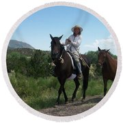 Roadside Horses Round Beach Towel