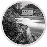 Roanoke River Flow Round Beach Towel