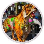 Roaring Tiger Ride Round Beach Towel