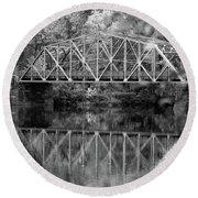 Rocks Village Bridge In Black And White Round Beach Towel