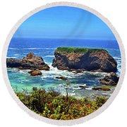 Rocky California Coast 006 Round Beach Towel