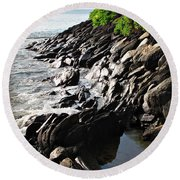 Rocky Maui Coast Round Beach Towel