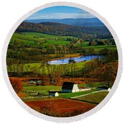Rolling Countryside Round Beach Towel