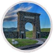 Roosevelt Arch At Yellowstone Dsc2522_05252018 Round Beach Towel