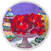 Rose Covered Cake Round Beach Towel