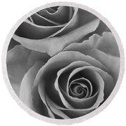 Roses Black And White Round Beach Towel