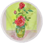 Roses For Dorothy Round Beach Towel