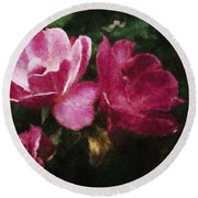 Roses With Texture Round Beach Towel