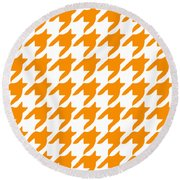 Rounded Houndstooth With Border In Tangerine Round Beach Towel
