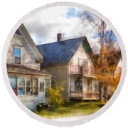 Row Of Houses Hardwick Vermont Watercolor Round Beach Towel
