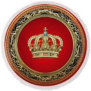 Royal Crown In Gold On Red  Round Beach Towel