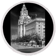 Royal Liver Buildings_beatle Country Round Beach Towel