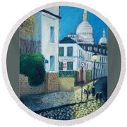 Rue Norvins, Paris Round Beach Towel