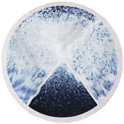 Running Water On Black Background Round Beach Towel