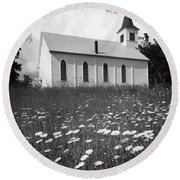 Rural Church In Field Of Daisies Round Beach Towel