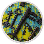 Rusty Keys Round Beach Towel