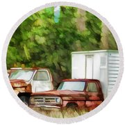 Rusty Old Abandoned Truck 1 Round Beach Towel
