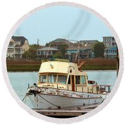 Rusty Old Boat Round Beach Towel