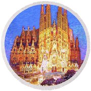 Sagrada Familia At Night Round Beach Towel