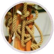 Sailing Knot Round Beach Towel