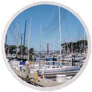 Sailing To The Golden Gate Round Beach Towel