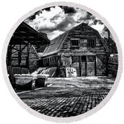 Salisbury Ct Round Beach Towel
