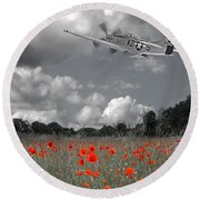 Salute To The Brave - P51 Flying Over Poppy Field Round Beach Towel