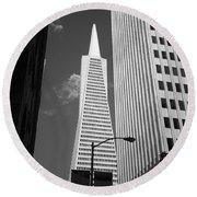 San Francisco - Transamerica Pyramid Bw Round Beach Towel