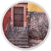 San Miguel Steps And Door Round Beach Towel