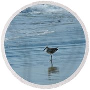 Sandpiper On The Beach Round Beach Towel