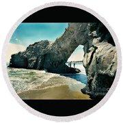 Santa Cruz Beach Arch Round Beach Towel