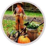 Scarecrow And Pumpkin Round Beach Towel