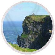 Scenic Lush Green Grass And Sea Cliffs Of Ireland Round Beach Towel