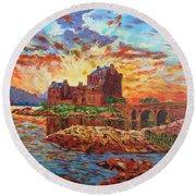 Scottish Castle - Eilean Donan Round Beach Towel