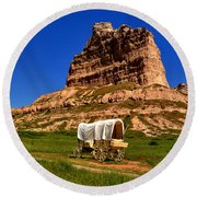 Scotts Bluff Wagon Train Panorama Round Beach Towel